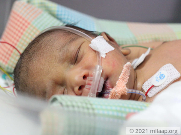 Flower seller needs our help to save his newborn baby