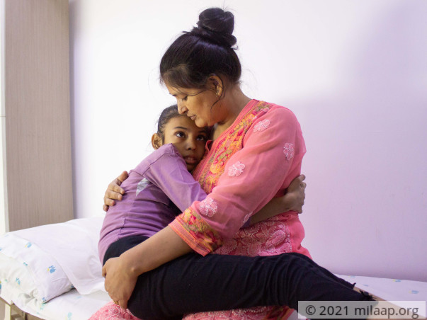 10-Year-Old Whose Lungs Are Being Eaten Away By Infection Needs Help