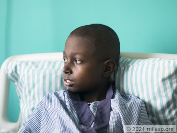 11-Year-Old With Cancer Bangs His Head On The Wall Due To Headache