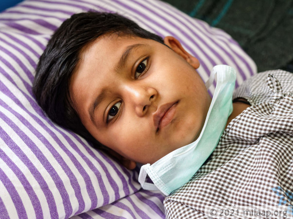 7-Year-Old Cancer Patient's Only Solace Is His Grandpa's Stories