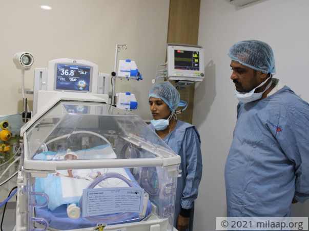 This Father Travels 120km Every Day To See His Newborn Who Is In ICU