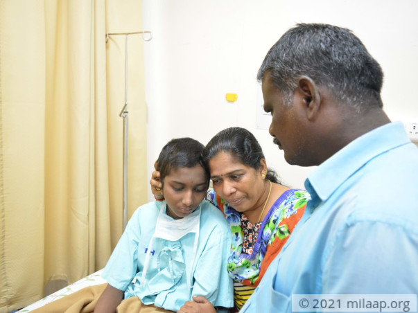 Help Kavitha Recover From Osteosarcoma