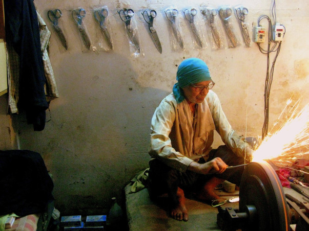 Fundraising to provide a safer working environment to artisans in village of Shahpur Jat, New Delhi.