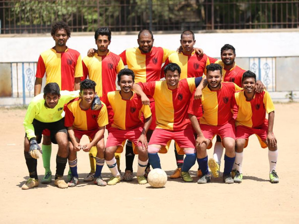 Fundraising to support the Chincholi football club by providing the players with kits and equipments!
