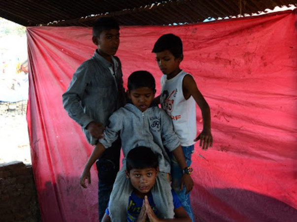 Help 'Black Tigers',a group of dancers born in the slums of Kandivali