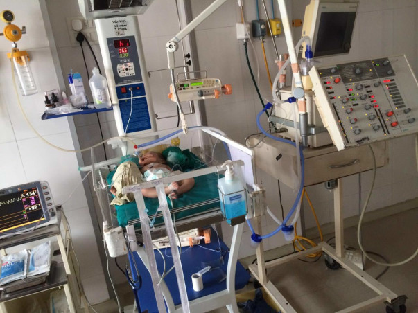 BABY WITH A HOLE IN HIS HEART. IN LIFE SUPPORT TILL DATE. PLEASE HELP!