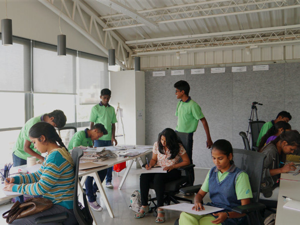 Help 10 Young Girls To Get An Experience in Technology #GirlsInTech