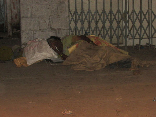 Help us in distributing blankets to homeless people for this winter.