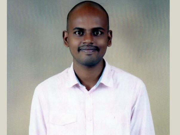 Help Sabari To Complete His Post Graduation.
