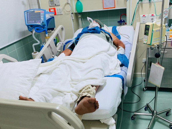 Help Manoj Joshi survive!