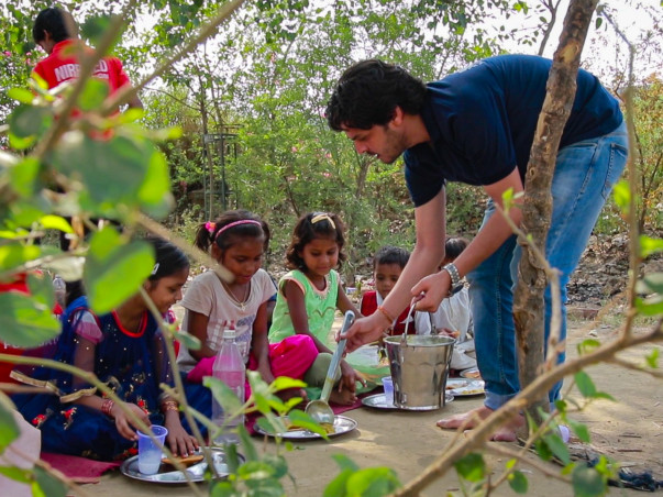 Support Sushil to feed and educate 1000 slum children