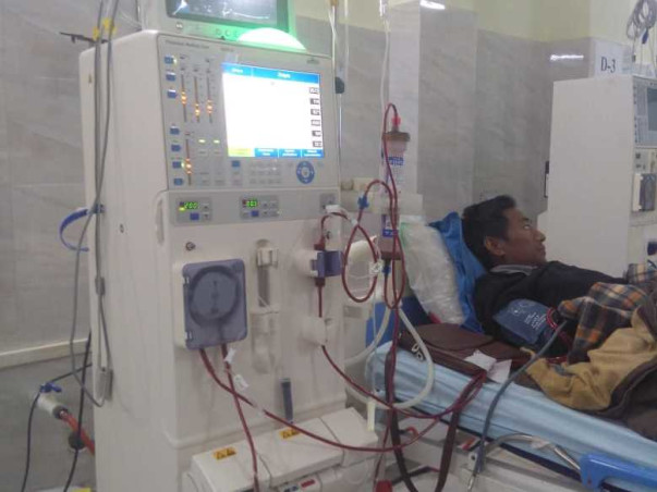 Help Siakeulak For his kidney transplant.