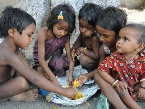 Fighting Hunger - Feeding 2000 People In Delhi