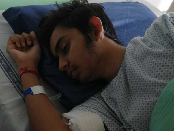 16 Years Old Akshat Solanki Needs Your Help To Fight Lymphoma Cancer