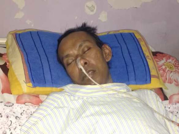 Help Kishorbhai Thakore Recover From Paralysis