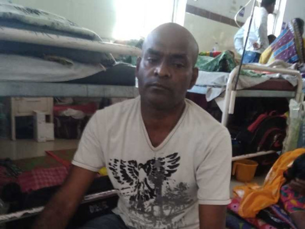 Help Kailash, father of four daughters Fight Neck Cancer