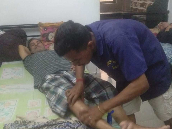Help Ahamad Anjum stand on his Feet and be able to walk again