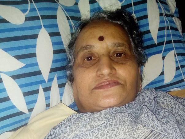 Help My Mother Sunanda Undergo Knee Replacement Surgery