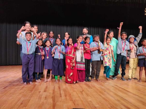 Help kids to take part in Dramebaaz