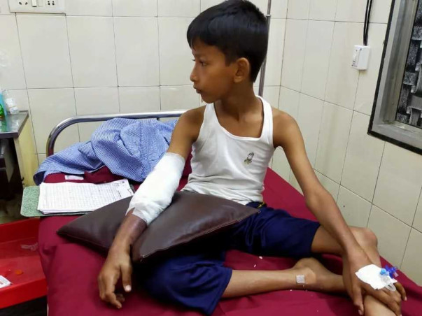 Support Shanawaz Children's Recover From Accident