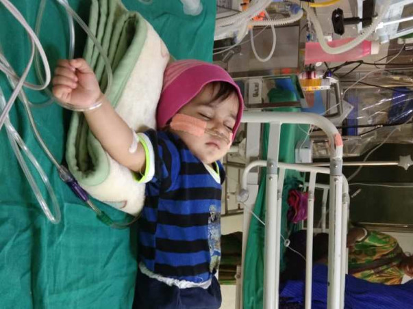 Help 1 Year-old Ashna Fight Respiratory Failure