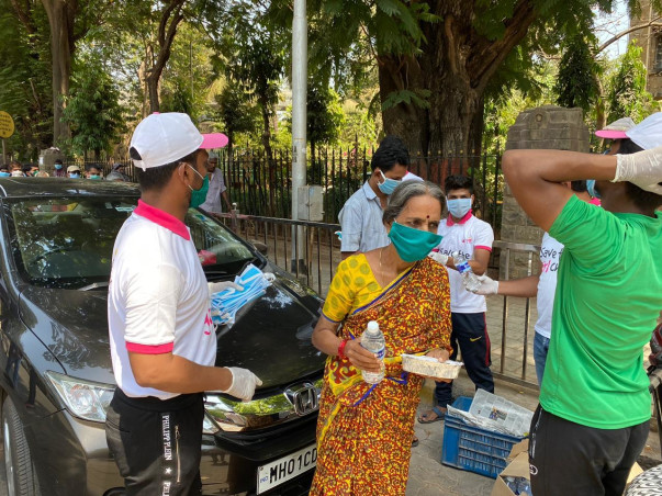 Initiating Food & Groceries Distribution Programme to Daily Wagers