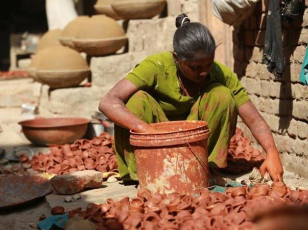 Donate on this Diwali to help the Kumhar community survive