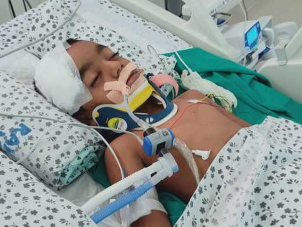 Help This Six Year Old  to Fight With Accident Injuries