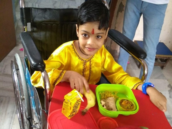 Need funds for needy people in Jaipur. We provide food packets to the.
