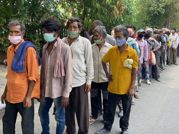 Medikamint - Daily Lunch Packet Distribution Program to Jobless People