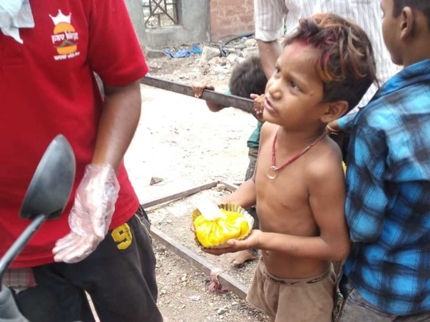 Bastis of Pune: Help Needy And Poor People   PLEASE DONATE AND FORWARD