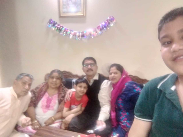 Help Kulvinder W/o Late Naresh Bhardwaj for her children's education