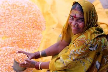 helpwomenfarmers